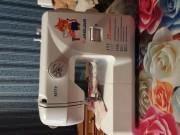 Продам новую швейную машинку на электрическом приводе.